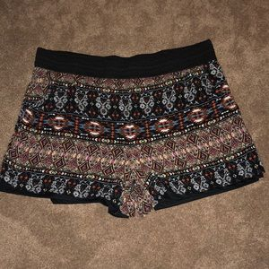 French Laundry Stretchy Patterned Shorts